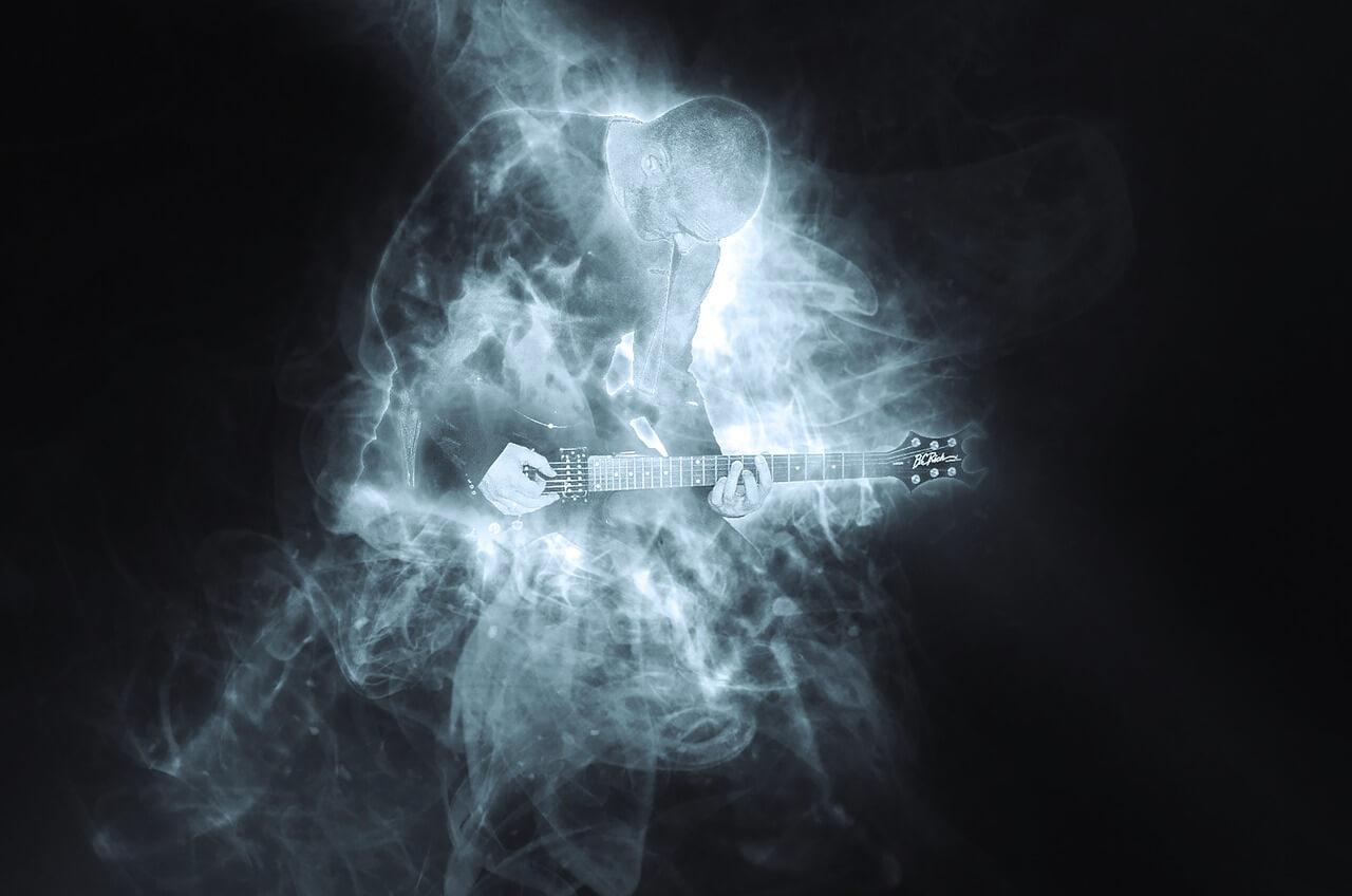 10 najlepszych solówek gitarowych