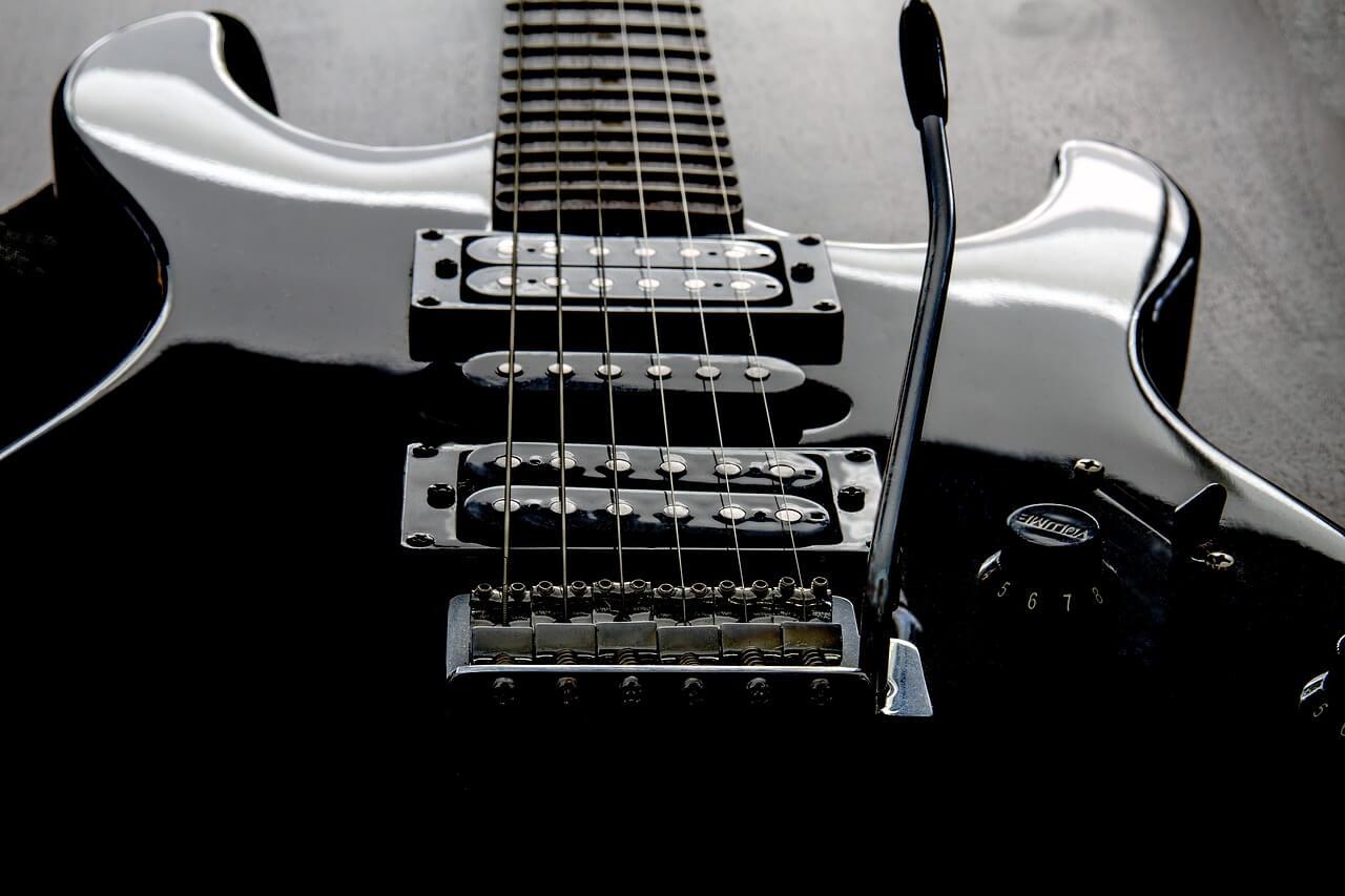 Przystawki, przetworniki w gitarze