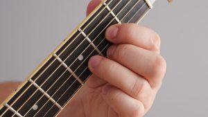 akord Ddur na gitarze