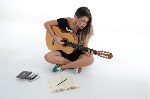 Jak łapać akordy na gitarze
