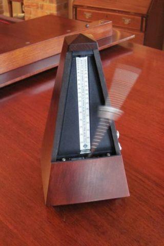 metronom analogowy